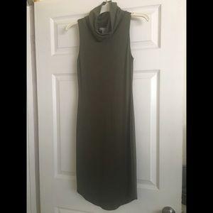Hunter green sleeveless turtleneck dress